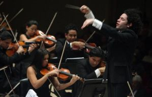 CONDUCTOR_620X397_Dudamel_formal_GETTY